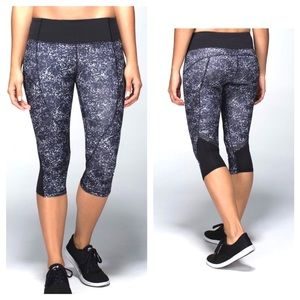Lululemon Hop To It Running Crop Leggings